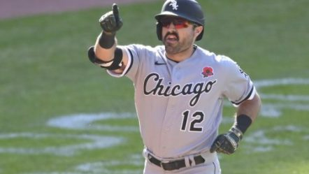 LA Angels Sign Veteran Outfielder Adam Eaton after Released by White Sox